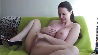 This amateur drab is a hot self pleasuring gadget with popular knockers